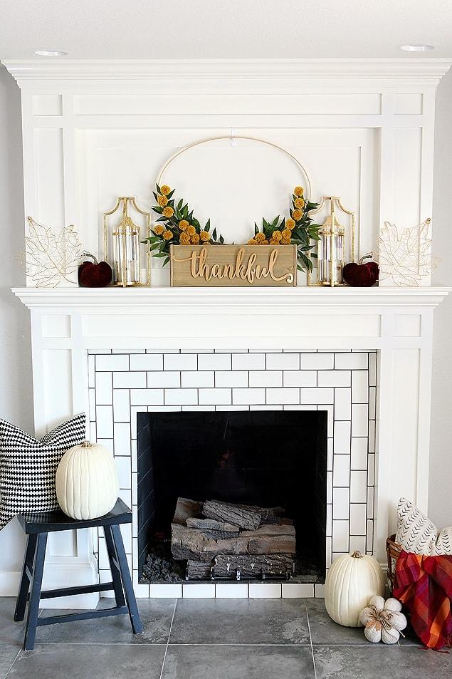 Love this beautiful DIY wreath on this fall mantel idea