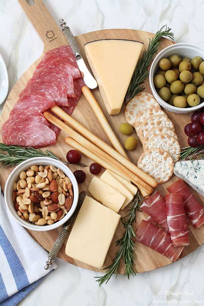 How To Make The Perfect Meat & Cheese Tray