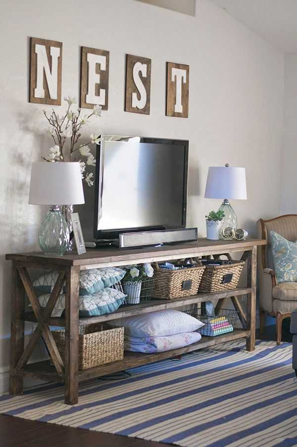 DIY Farmhouse Console by Paddington Way, 20 DIY Farmhouse Projects