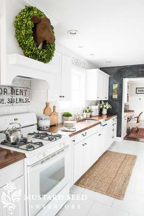 20 Farmhouse Kitchens For Fixer Upper Style Industrial Flare
