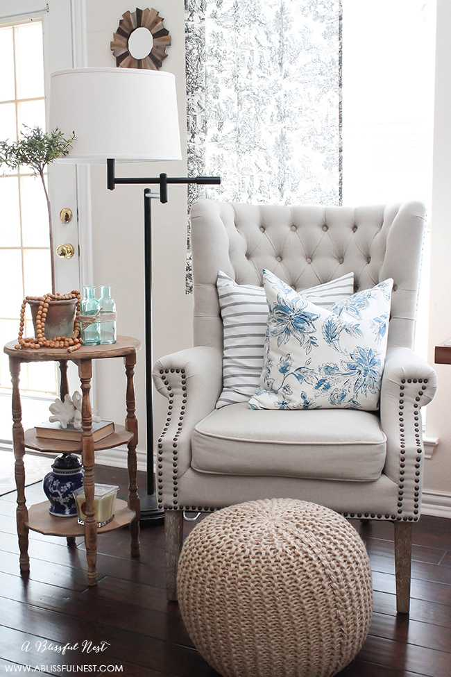 Adding texture to your home does not have to be hard. Snag our tips and create a warm and inviting space! By A Blissful Nest http//:ablissfulnest.com #interiordesign #designtips #homedecor #farmhouse #farmhousestyle #farmhousedecor