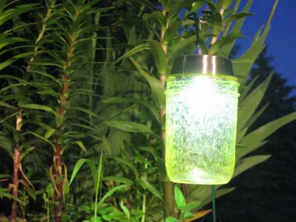 Mason Jar Solar Lights, 20 Ways to Use Mason Jars
