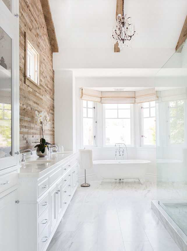 Home Bunch, 20 Best Farmhouse Bathrooms .  #ABlissfulNest #InteriorDesign #Decorator #Stylist #Blissful #HappyHome #designtips #Farmhouse #FarmhouseDecor #farmstyle #farmdecor