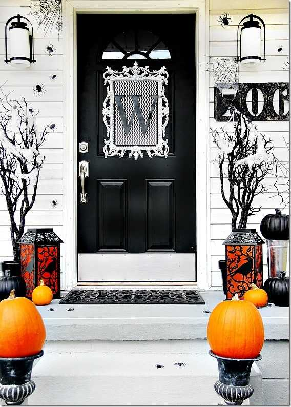 Thistlewood Farms, 20 Fabulously Spooky Halloween Front Porches