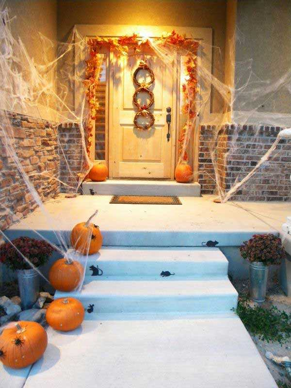thrifty and chic 20 fabulously spooky halloween front porches