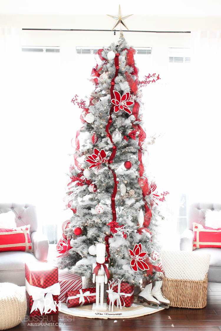 Classic Red And White Christmas Tree Decorating Ideas