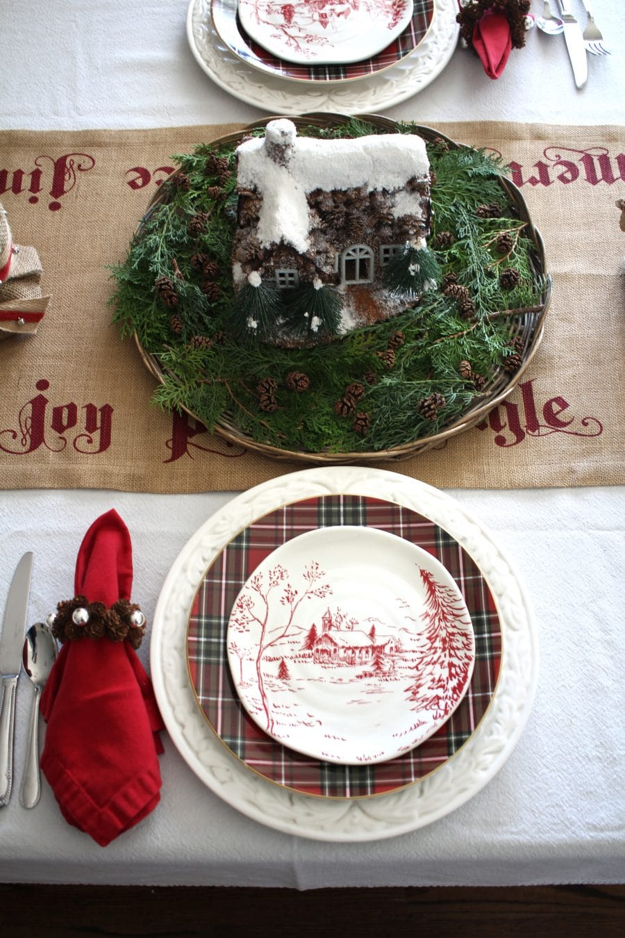 A Traditional Natural Christmas Tablescape A Blissful Nest