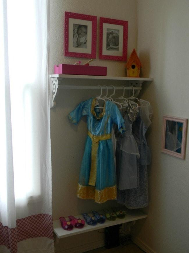 via Indulgy, Playroom Organization Ideas via A Blissful Nest