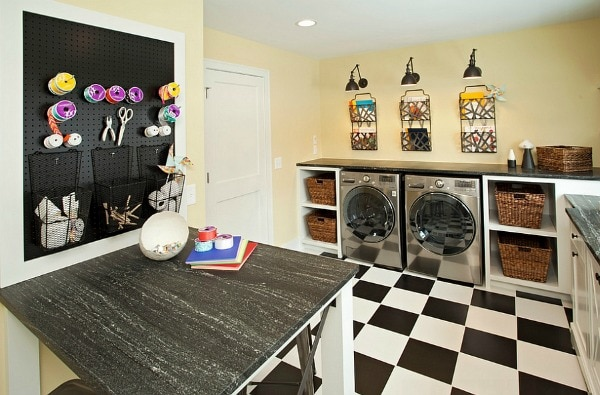 These are the BEST creative laundry room ideas for organization and design! See more on http:ablissfulnest.com/ #laundryroom #designtips #organizationideas