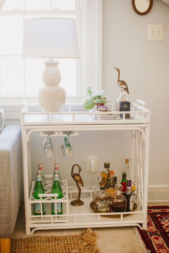 These are such amazing tips for living in a small space! A small living space can make a huge statement and be easily organized for a functional and stylish look. See more on https://ablissfulnest.com/ #designtips #organization #homedecorideas