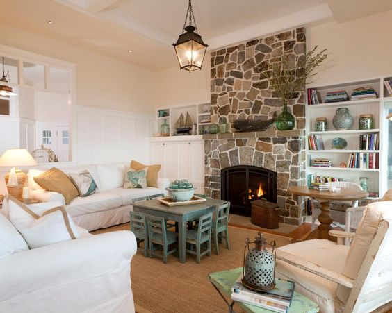 These are such great tips to have a family friendly living room!