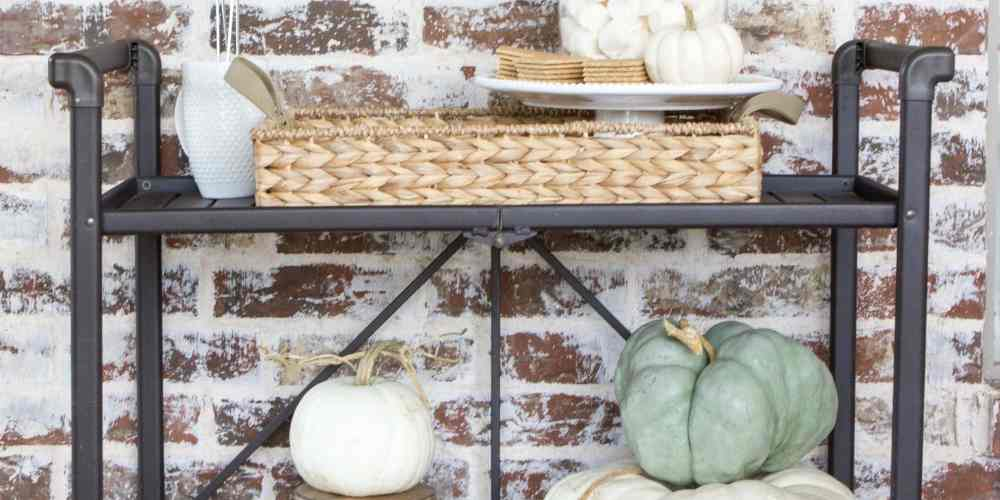 An outdoor s'mores bar cart is a perfectly unexpected way to gather loved ones together for the fall season. #s'mores #s'moresbarcart #outdoorentertainment #smoresrecipe