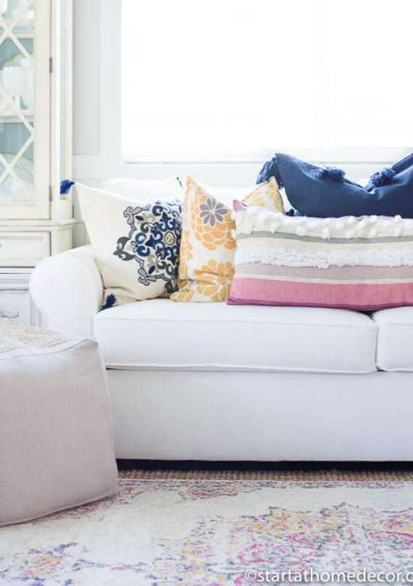 How to Select and Style Throw Pillows