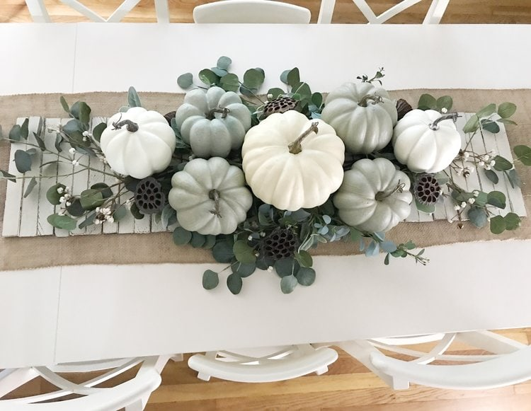 This gorgeous simple fall tablescape is so easy to recreate with this step by step tutorial including a materials list. Perfect for a Thanksgiving table! #falldecor #thanksgivingtable
