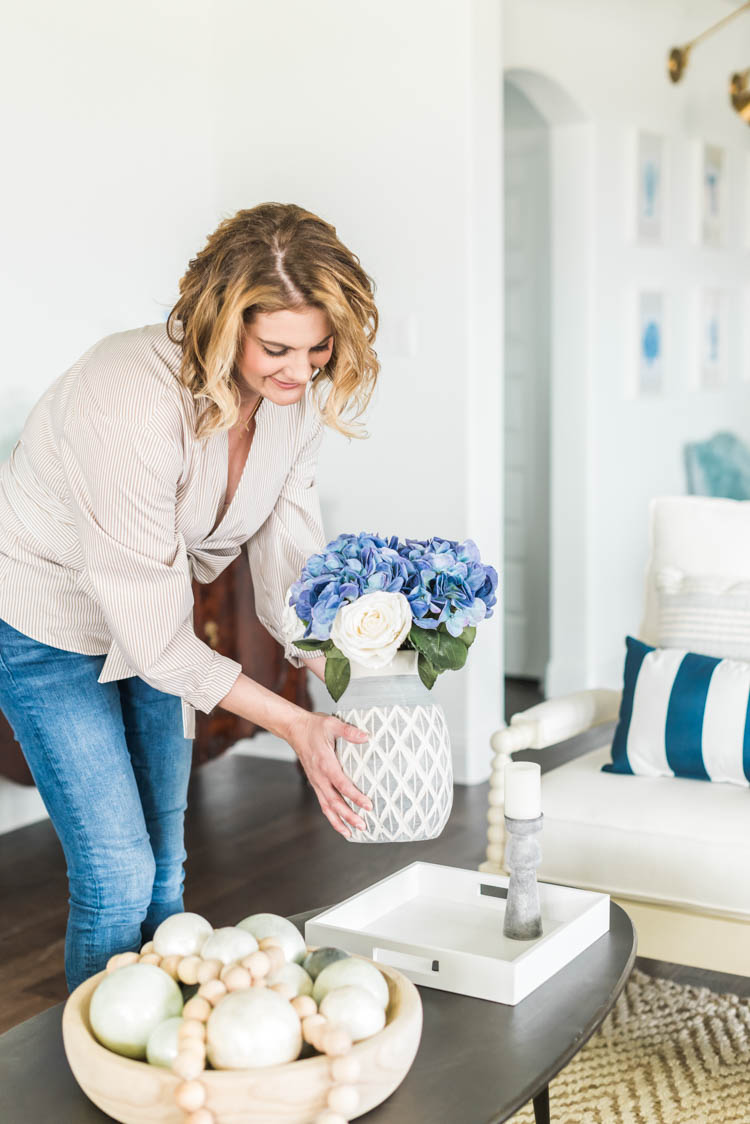 Flowers are the perfect touch and I adore these faux florals! #ad #AthomeStores #springdecorating #springdecoratingideas #coastallivingroom