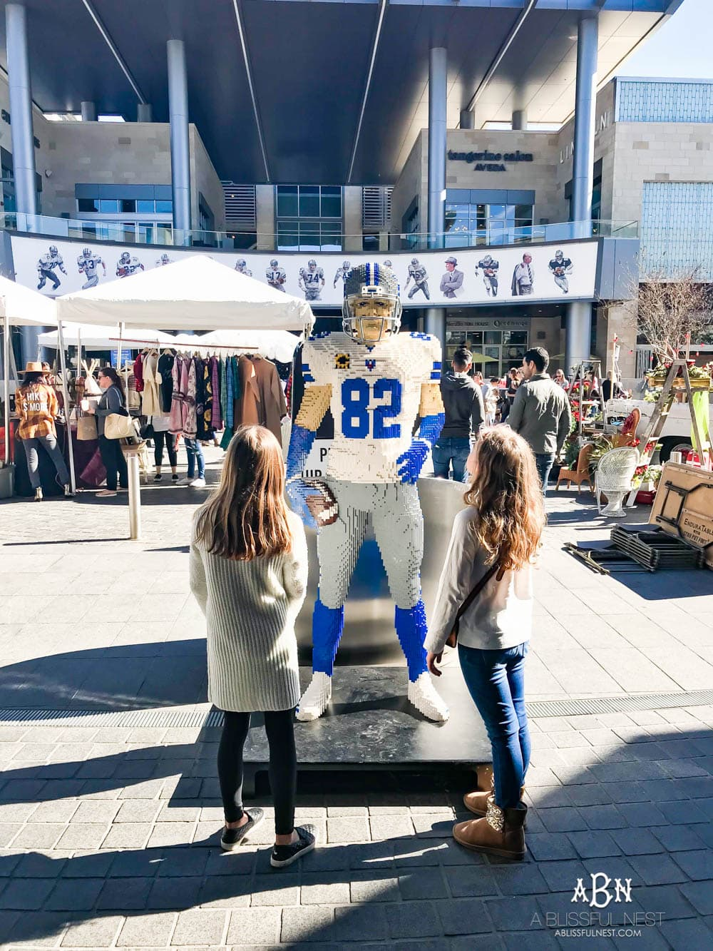 The Star District as it's the perfect place to shop, dine, and bring the family to experience the Dallas Cowboys themed campus. Offering more than thirty restaurants, shopping and specialty services, The Star District is a place for the whole family to enjoy. #ad #TheStar #MarketAtTheStar