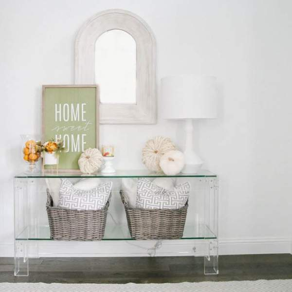 Simple Fall Decor Touches for The Entry