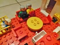 Lego Duplo Puppenhaus mit Bauplatte + Zubehr Figuren ...