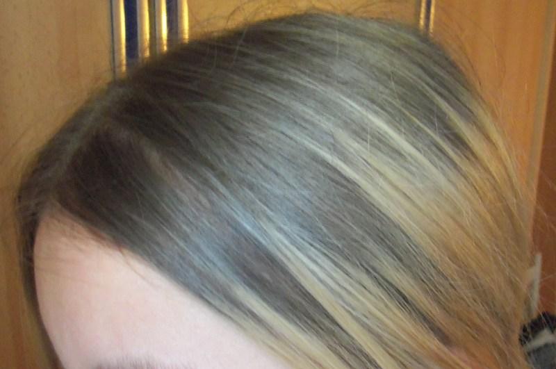 Blonde haarfarbe rauswachsen lassen  Mittellange haare