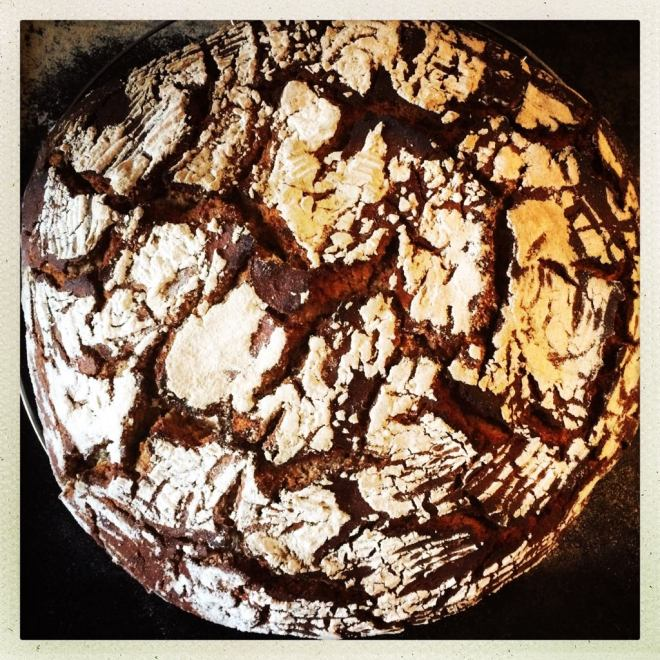 Roggenbrot nach dem Backen