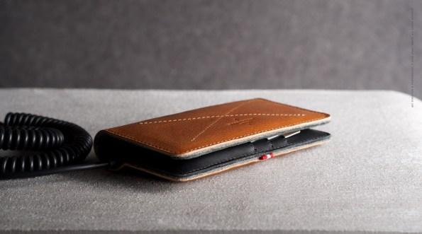 محفظة أنيقة للآيفون5 للنقود والبطاقات والهاتف Mighty-Phone-Wallet-02.jpg?resize=595,331