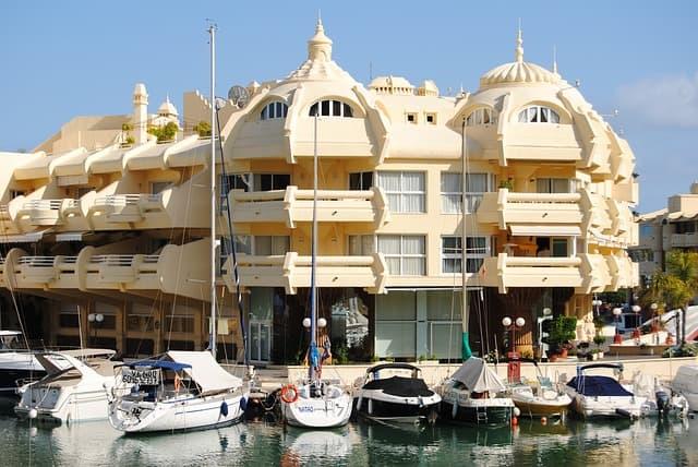 sunset beach Club benalmadena contratos financiados con BBVA