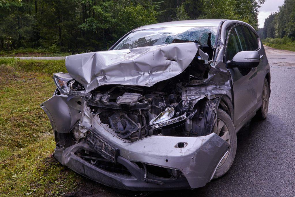 Muere hombre y Trinidad Magada queda gravemente herida en accidente frontal en la avenida Santa Fe, en Denair, CA