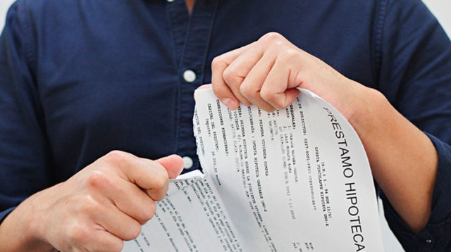 clausula-vencimiento-anticipado-diario-juridico-