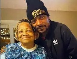 Snoop Dogg and his mother