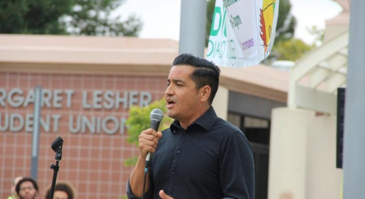 Albert Ponce speaks at a DACA event at Diablo Valley College on Sept. 7, 2017. (Photo by Olivier Alata)
