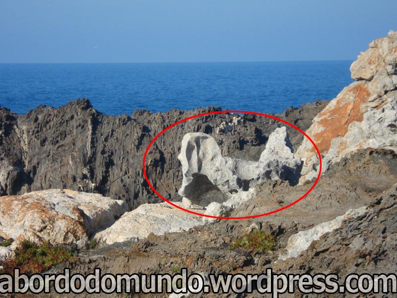Cap de Creus (cabo da cruz), na Costa Brava. Formações rochosas (algumas com formas de animais) por onde Dali gostava de passear. Dizem que esta rocha...