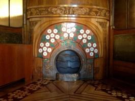 Casa Lleó i Morera Fireplace