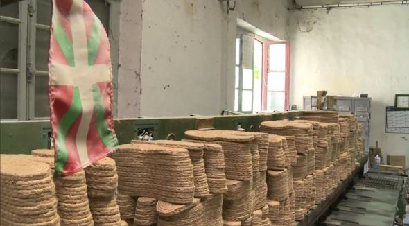 Fabricando espadrilles basques