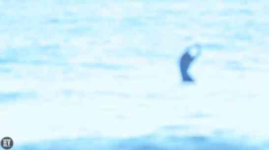 andrea-molina-winter-surf