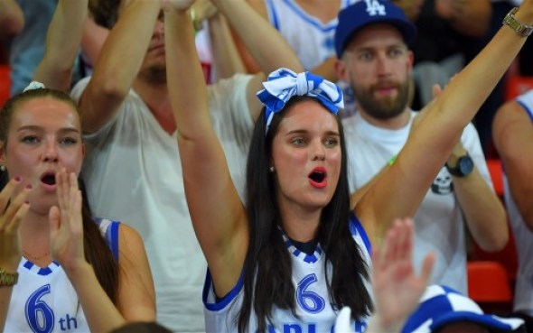 Aficionados finlandeses en el Mundial de Baloncesto de Bilbao 2014