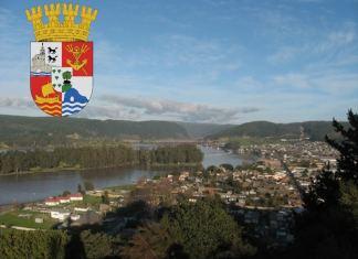 Vista de Ciudad Constitución (Chile). Antes Nueva Bilbao de Gardoqui- En su escudo se mantiene la referencia a Bilbao