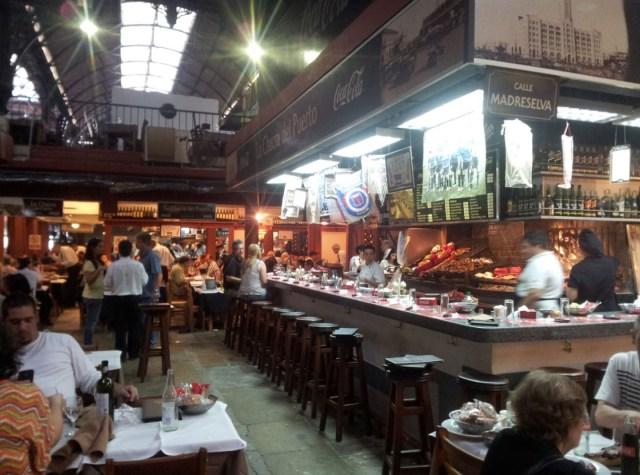 Vista del Mercado del puerto - Montevideo