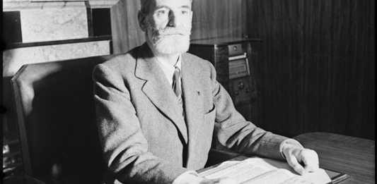 23 octobre 1941. René Cassin, commissaire à la Justice et à l'Instruction publique, au quartier général de la France Libre à Londres.