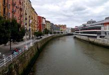 Bilbao Muelle Marzana (fuente: https://degolpeseaprende.wordpress.com/2013/09/12/6-horas-en-bilbao/)