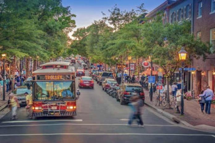 Old Town Alexandria. Para los fans de The Walking Dead, no se parece en nada a la de la serie