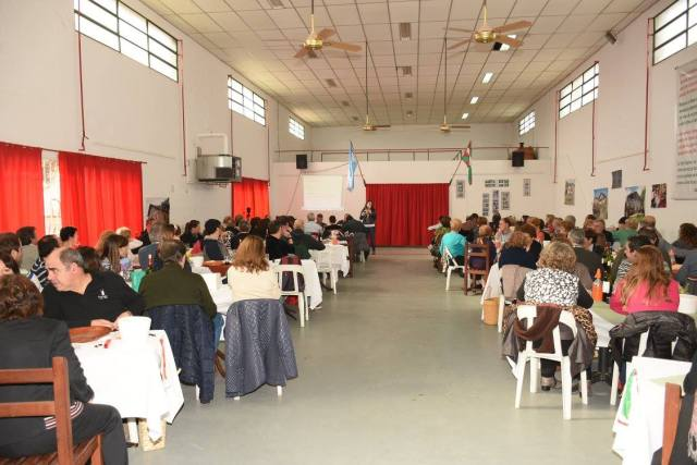 Almuerzo de celebración del vigesimocuarto aniversario de la fundación de Zelaiko Euskaletxea