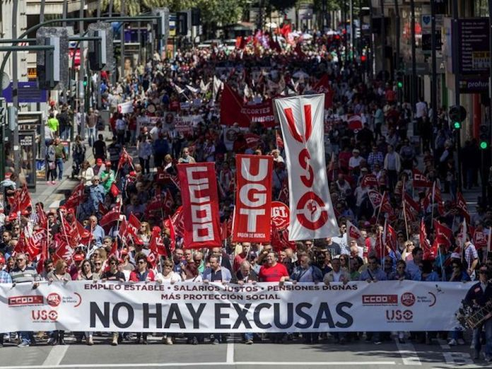 Manifestación del 1 de Mayo en Bilbao organizada por CC.OO, UGT, y USO
