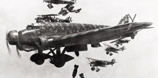 El avión militar Savoia-Marchetti SM 8.1 Aviación Legionario de la Real Fuerza Aérea Italiana. Fueron los aparatos que bombardearon Durango