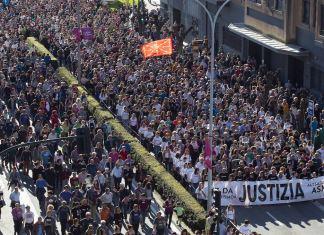 Protesta en Pamplona por los cargos de terrorismo a los agresores de Alsasua. UNAI BEROIZ AP PHOTO