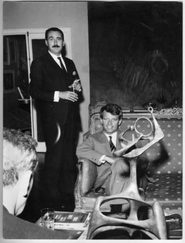 "Paco Igartua con ""Bobby Kennedy"""