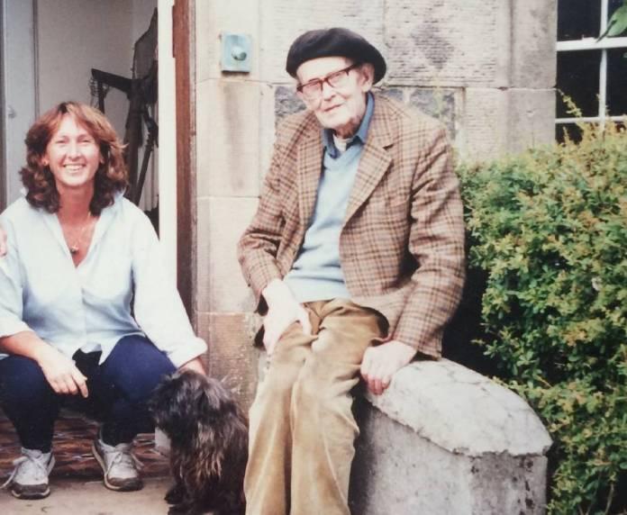 Magda Sagarzazu y John Lorne Campbell en la isla de Canna