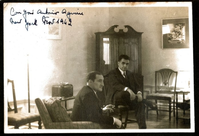 Manuel Ynchausti with Lehendakari Agirre at Mr. Ynchausti's home in White Plains, New York, November 1942. Photo: Ynchausti Foundation Archives.