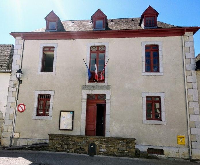 Fachada del Ayuntamiento de Eskiula (Wikilpedia Utolou)