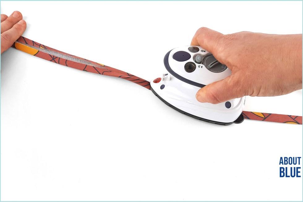 Biaslint dubbel strijken met strijkijzer.