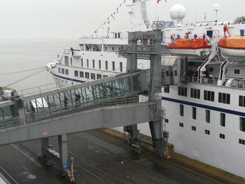 Bremerhaven_Columbuskaje_Passagierbruecke